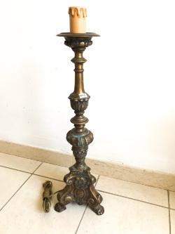 candelabro-una-luce-in-ottone-brunito-in-stile-barocco-elettrico.JPEG